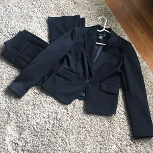 New York and company suit